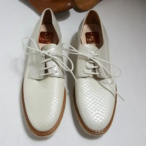 Kanna Sahara Ghost scale lace up oxfords